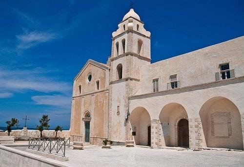 Vieste cattedrali chiese arte religiosa Gargano